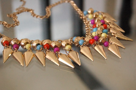 Studs necklace
